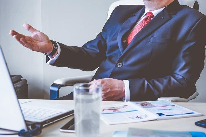 Funciones de un asesor financiero certificado